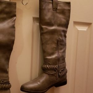 Rampage Boots Size 8